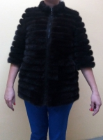 Куртка. Мех – норка(кусочки), вставка- замша. Цвет – темно-коричневый. Длина 70 см. Размер М.